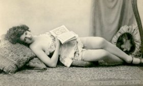 vintage reader retro Victorian maybe