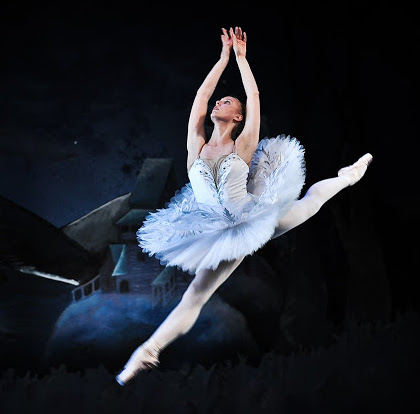 Swan-Lake-Ballet-northwest-3